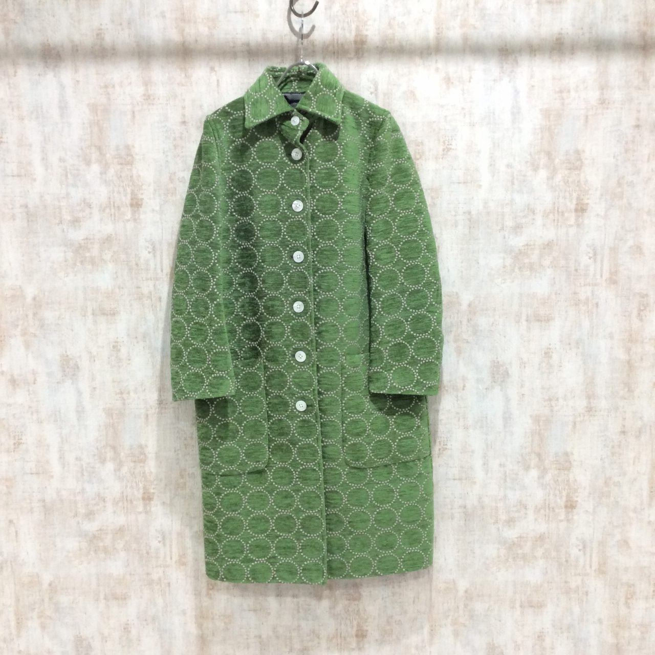 ミナペルホネンのグリーンのコート