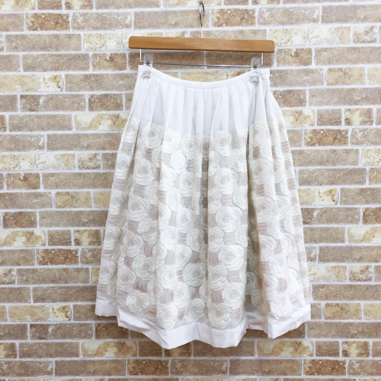 ミナペルホネンのrosas柄のスカート