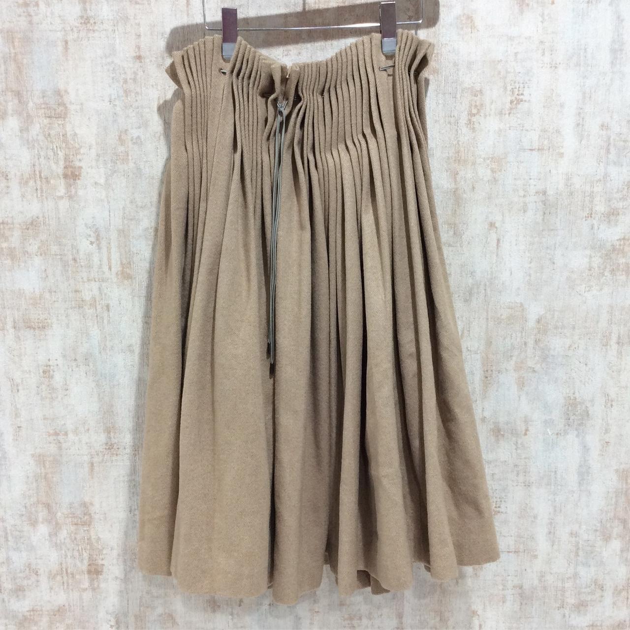ミナペルホネンのプリーツスカート