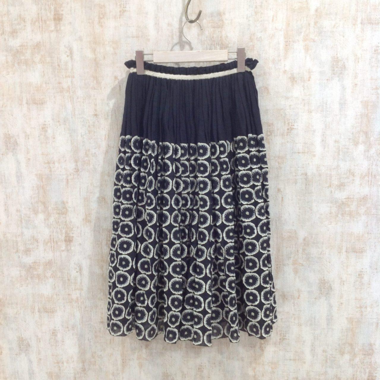 ミナペルホネンの素敵な刺繍スカート