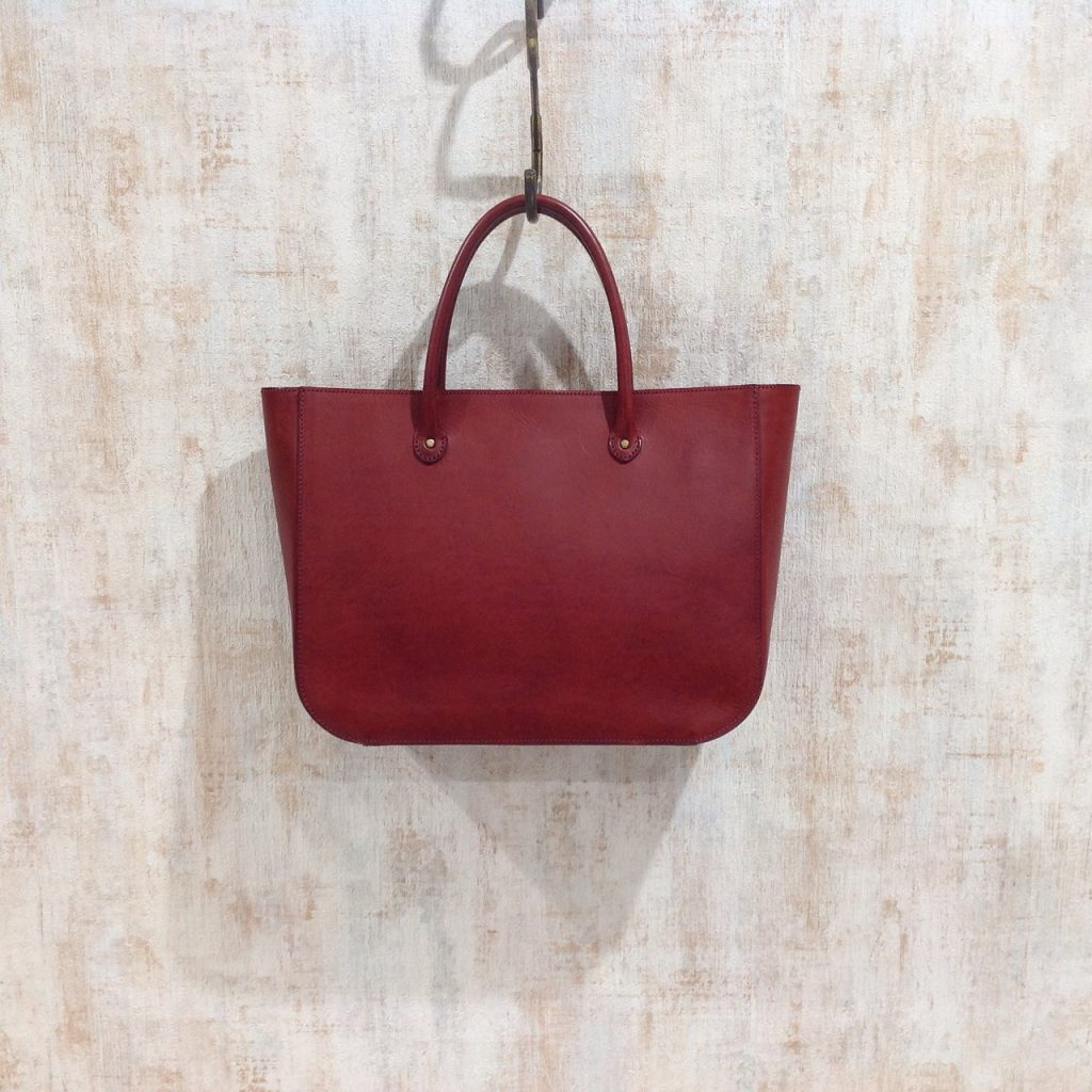 使いやすくお洒落なアーツ&サイエンスのハンドバッグ