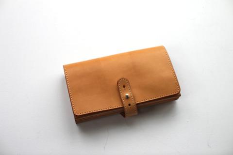 アーツ&サイエンスの使用感の少ない財布