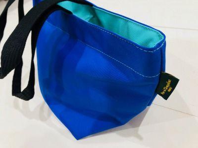エルベシャプリエの青いバッグ