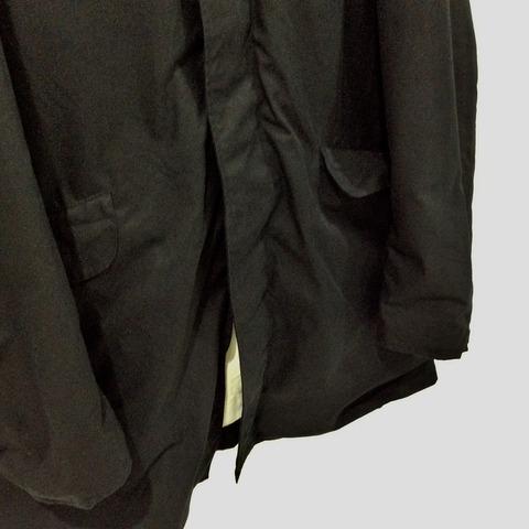 ポールハーデンのマックコートの裾部分の拡大画像