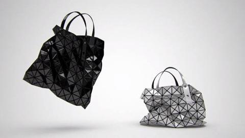 BAOBAO ISSEY MIYAKEのバッグ