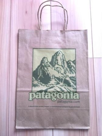 Patagoniaの紙袋