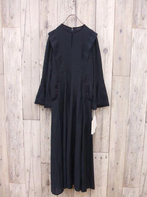 マメクロゴウチのドレス